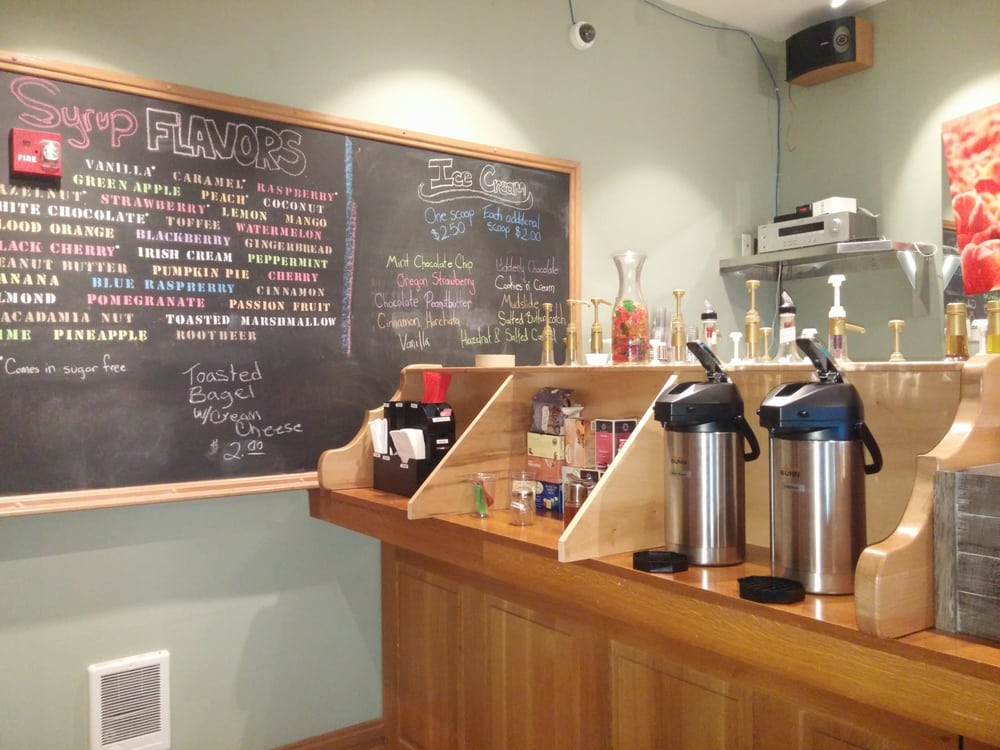 Three Arch Coffee Lounge: 1505 Pacific Ave, Oceanside, OR