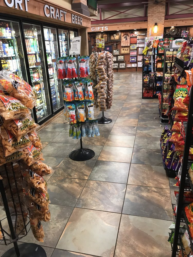 Gateway Travel Plaza: 2598 W Oak St, Palestine, TX