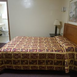 Photo Of Brookfield Motel Il United States 1 Bedroom Side View
