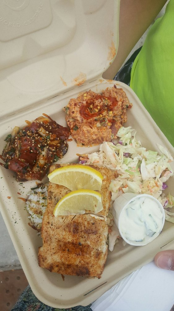 Combo gives you a little taste of everything yelp for South maui fish company