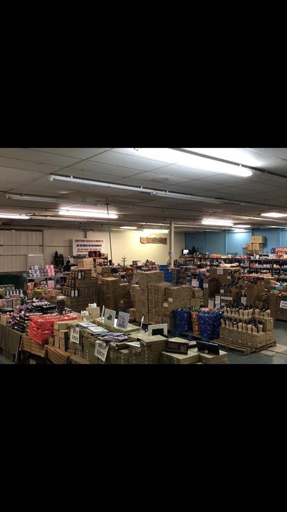 B through Z Warehouse: 1510 E Choctaw Ave, Sallisaw, OK