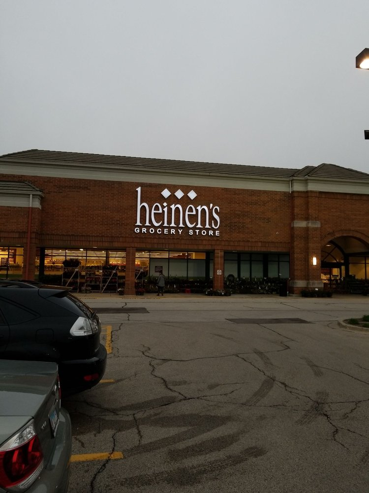 Heinen's Grocery Store: 201 S Waukegan Rd, Lake Bluff, IL