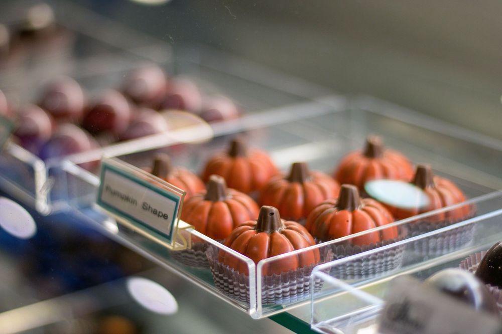 Celine's Sweets: 879 Grant Ave, Novato, CA