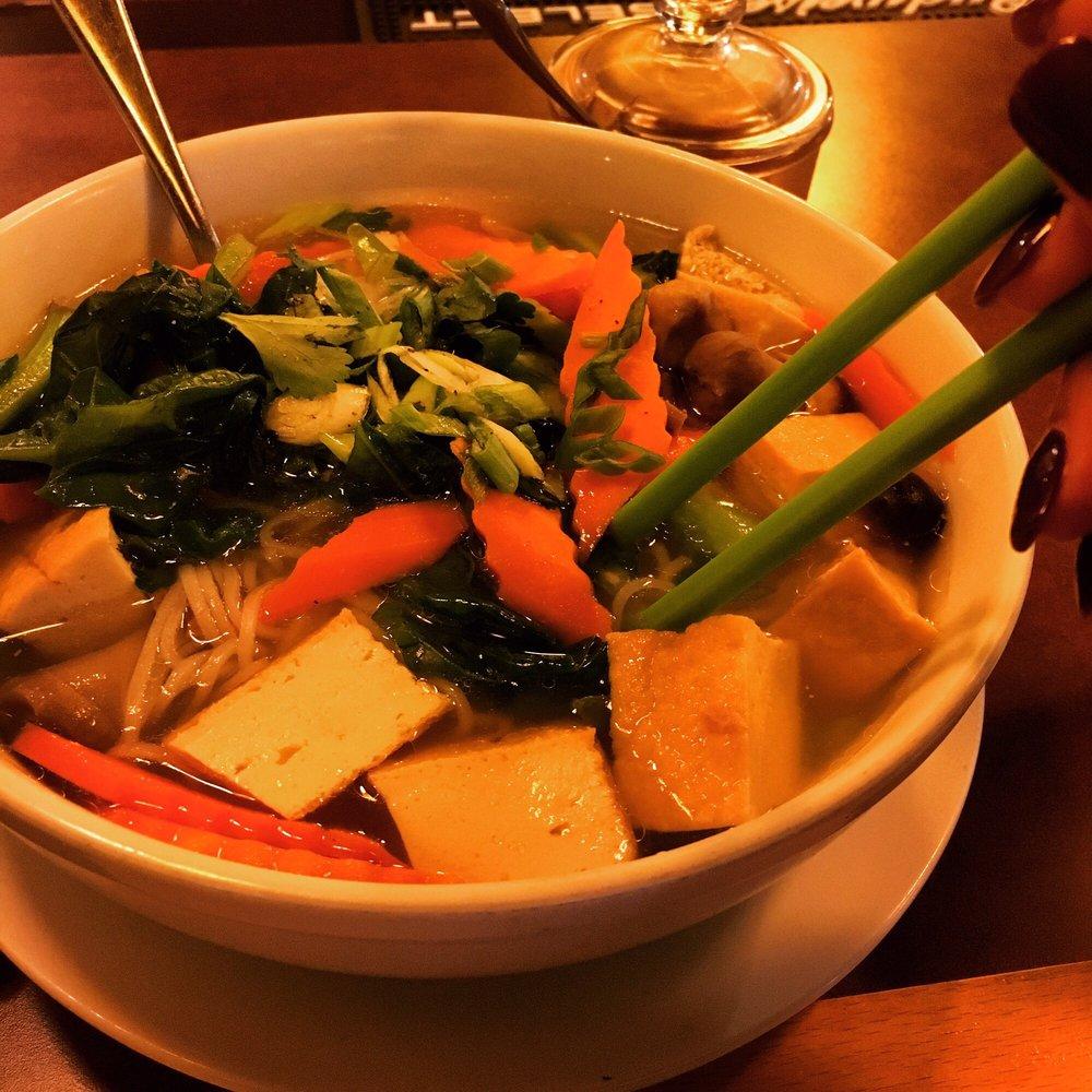 Monsoon Vietnamese Bistro: 14248 Manchester Rd, Ballwin, MO