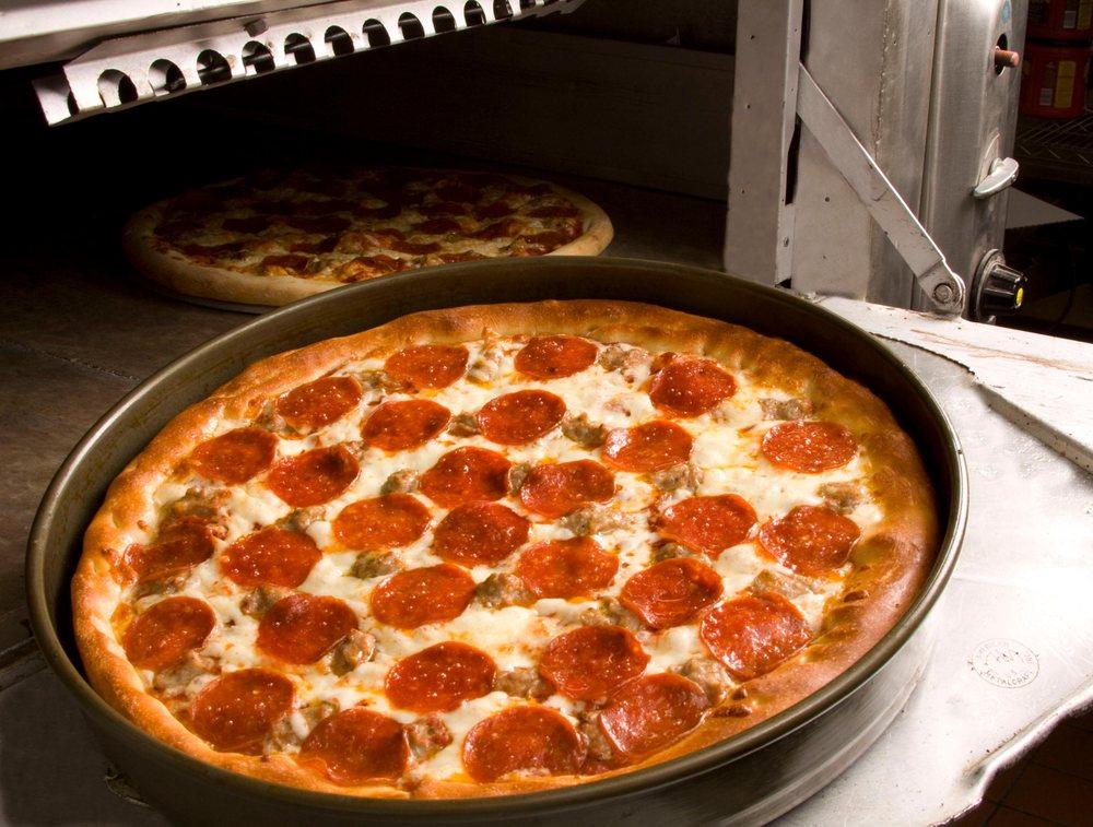 Chanticlear Pizza: 5262 Kyler Ave, Albertville, MN