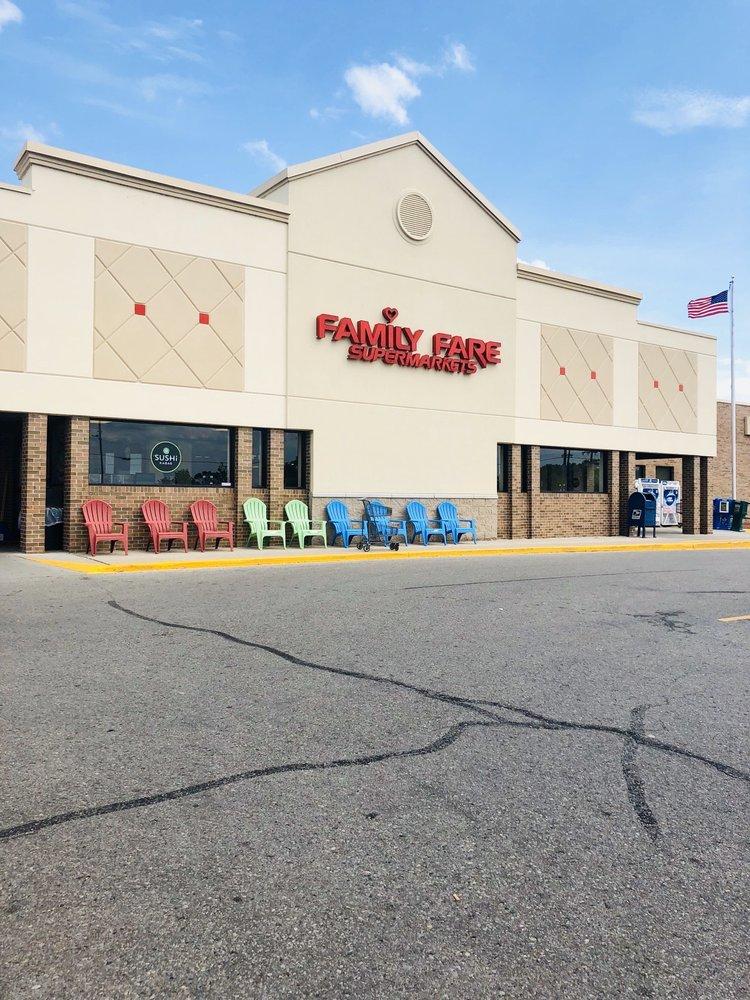 Family Fare Supermarkets: 430 N Lake St, Boyne City, MI