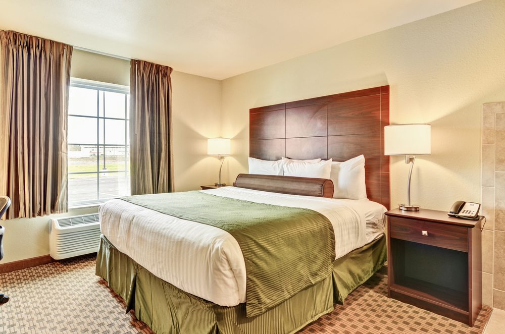 Cobblestone Inn & Suites - Ambridge: 1111 New Economy Dr, Ambridge, PA
