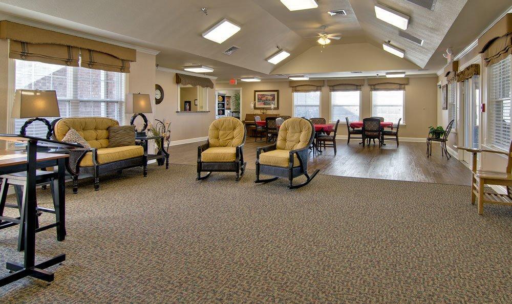 The Arbors At Etheridge House: 701 Sherrill St, Union City, TN