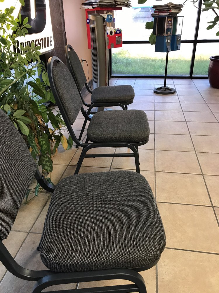 Towing business in Callaway, FL