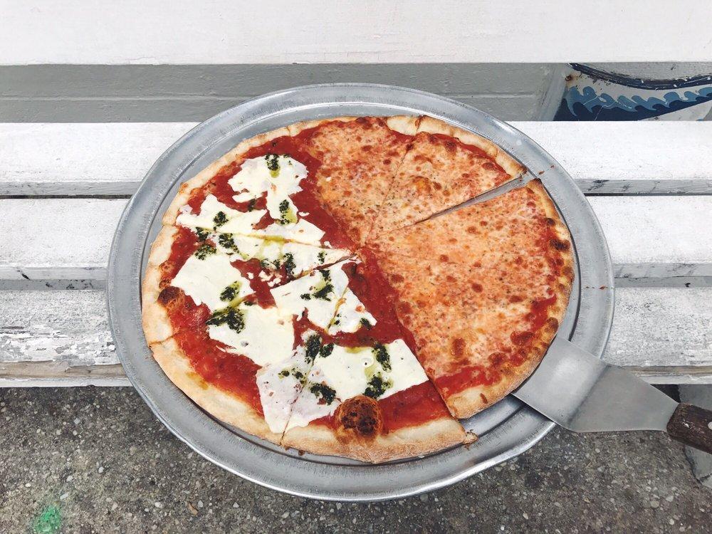 Pomodoro Pizzeria: 101 Garfield Pkwy, Bethany Beach, DE