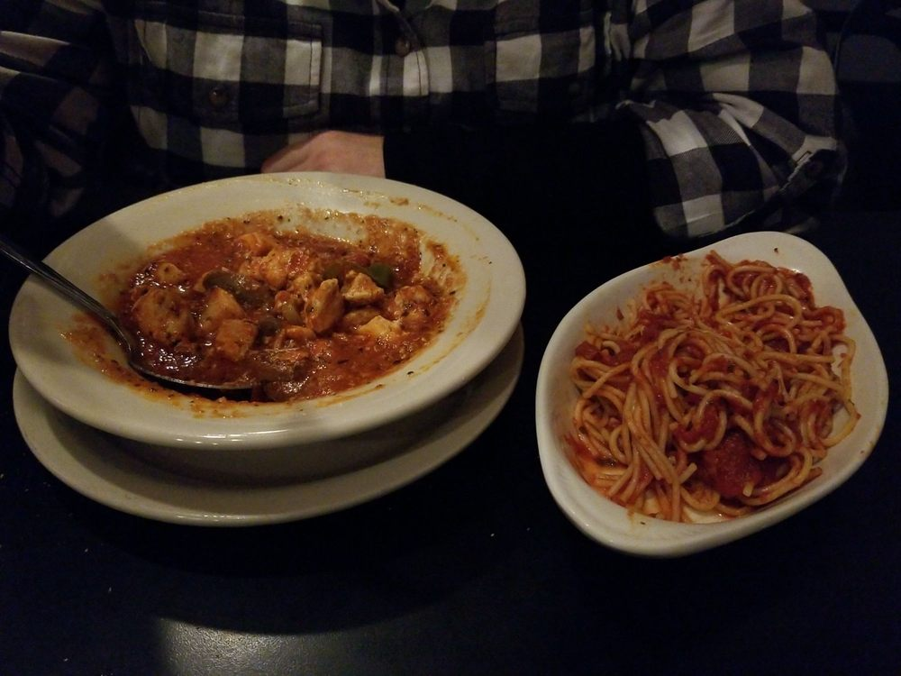 Segneri's Italian Restaurant: 314 Mill St, Coraopolis, PA