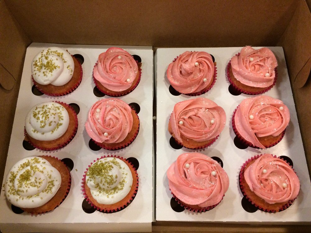 Sugar Daisies Bakery: 122 E Choctaw Ave, McAlester, OK