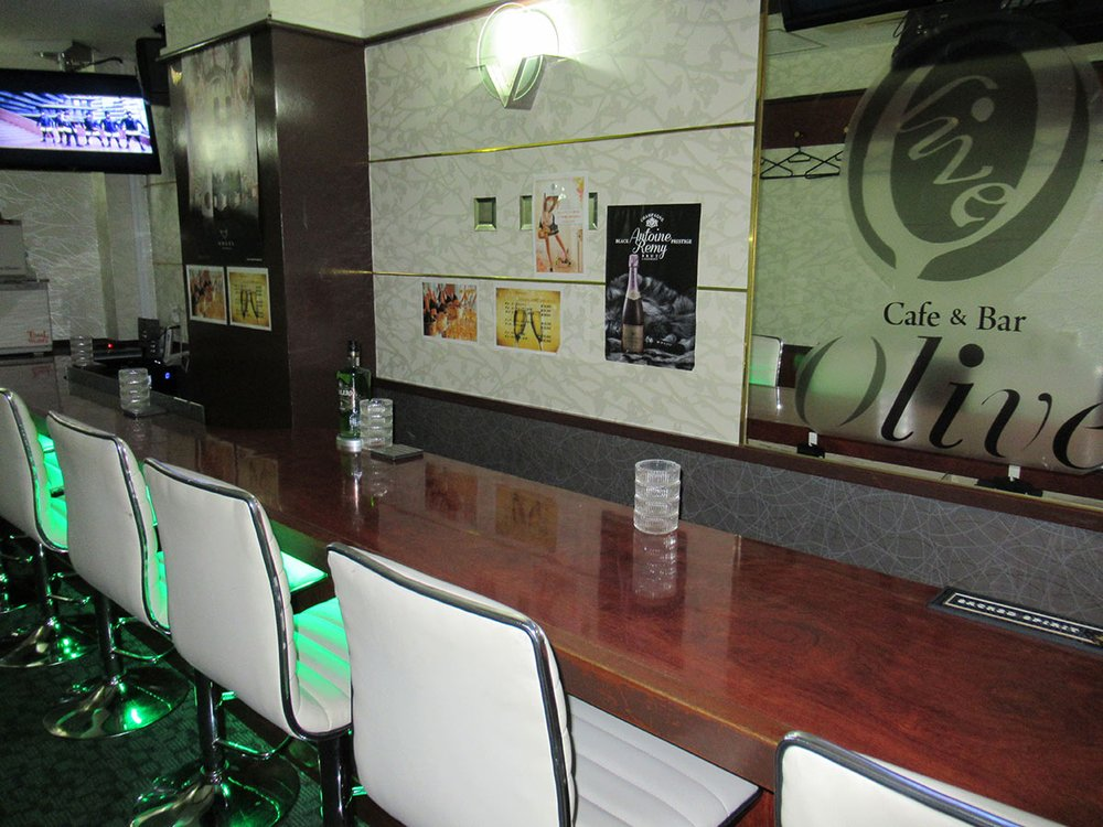 Girls bar & cafe olive