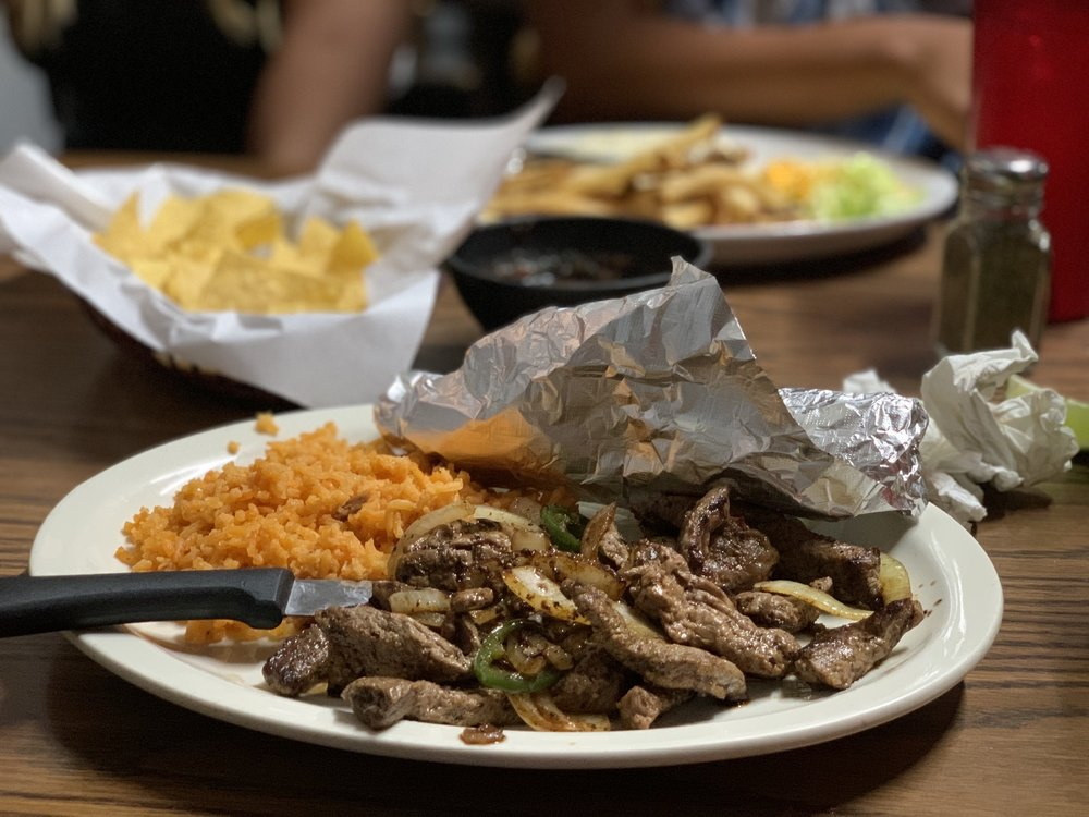 Lala's Mexican Restaurant: 207 Glasscock Ave, Sonora, TX