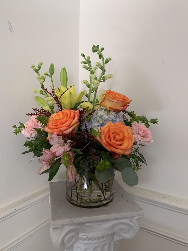 Works of Heart Flowers: 109 Main St, Wilton, NH
