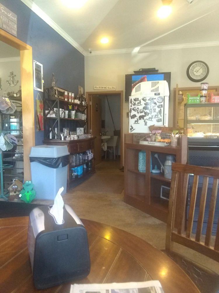 The Coffee Shop: 3944 Highway 292, Loon Lake, WA