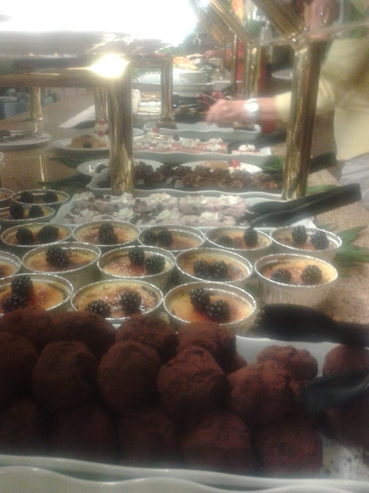 grand palms buffet 70 photos buffets rancho mirage