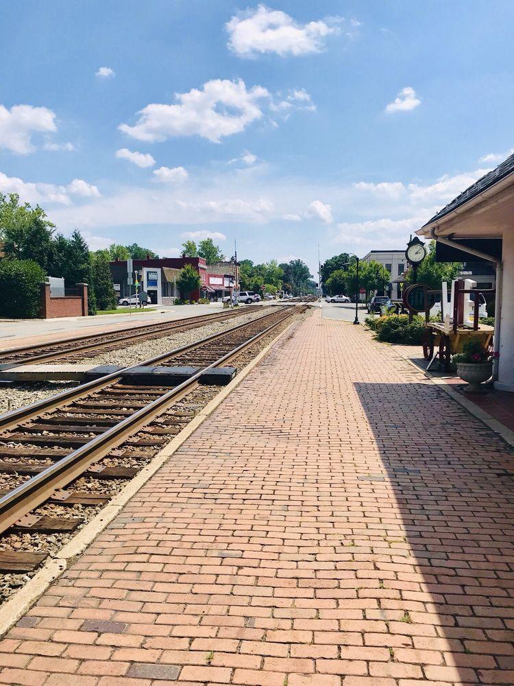 Town of Ashland: 121 Thompson St, Ashland, VA