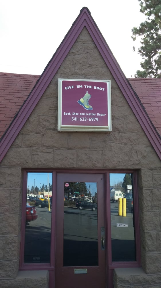 Give 'Em The Boot: 824 SE 3rd St, Bend, OR