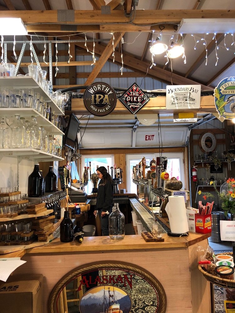 Rockridge Country Market: 40709 264th Ave SE, Enumclaw, WA