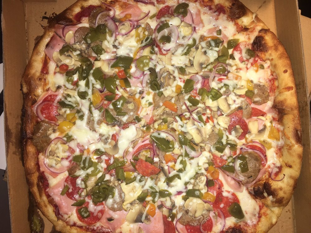 Maria & Sal's Pizzaria: 4550 Lincoln Way E, Fayetteville, PA