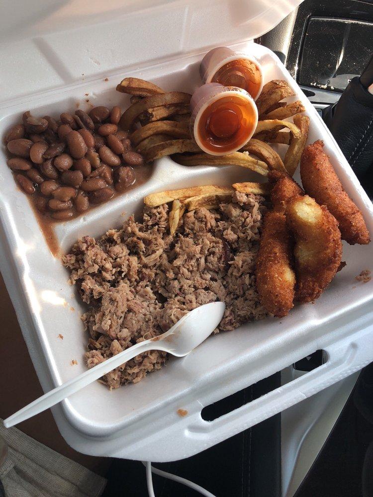 Food from Pecks Bar B Que