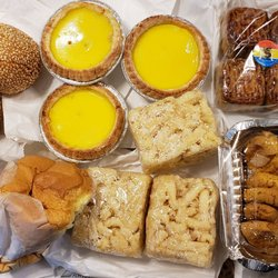 Lung Moon Bakery - 81 Mulberry St, Chinatown, New York, NY - 2019