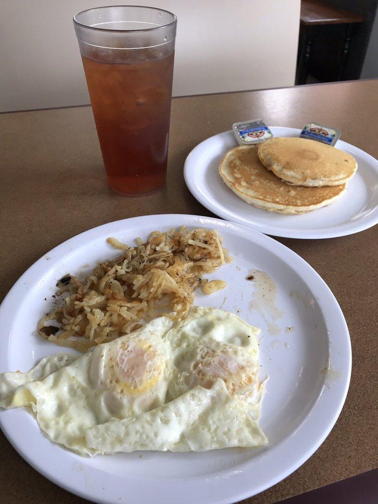 Old Towne Pancake House: 142 Boone St, Jonesborough, TN