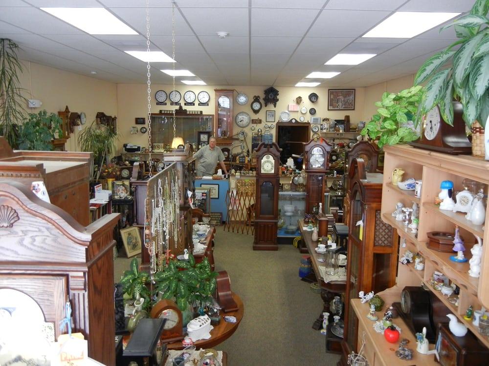 Father Time Clock Shop & Antiques: 123 E Main St, Festus, MO
