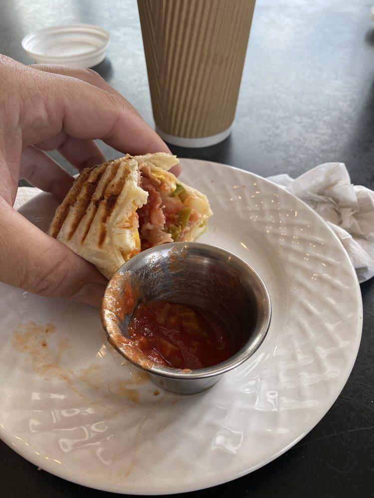 Vacavi Cafe: 100 Water St, Conneaut Lake, PA