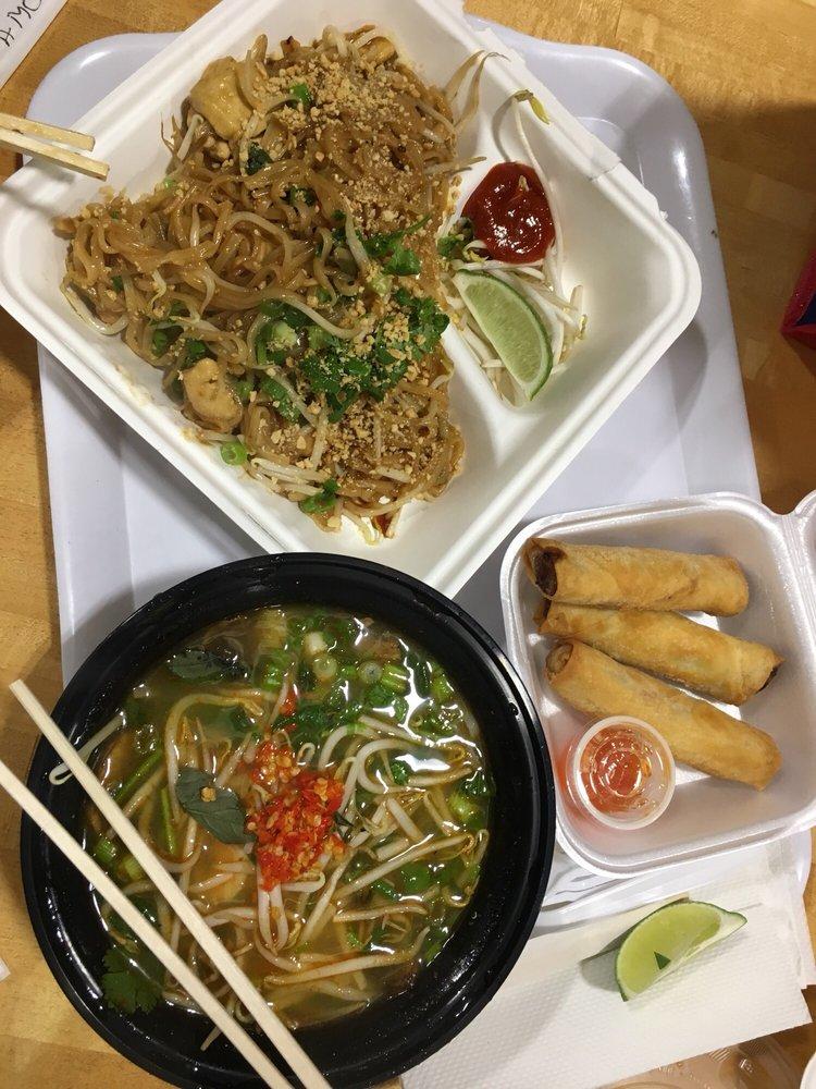 Bangkok Thai Cuisine: 400 President Clinton Ave, Little Rock, AR