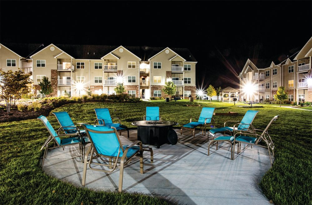 Villas at Crystal Lake: 3735 Round Hill Rd, Swansea, IL