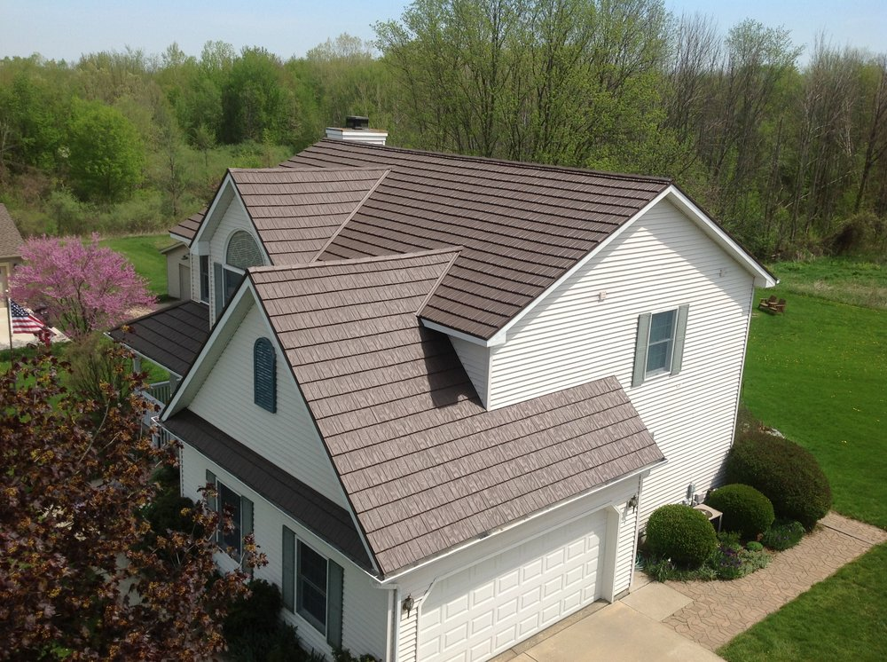 Guilfords Construction & Seamless Gutters: 77 W Grand Ledge Hwy, Mulliken, MI