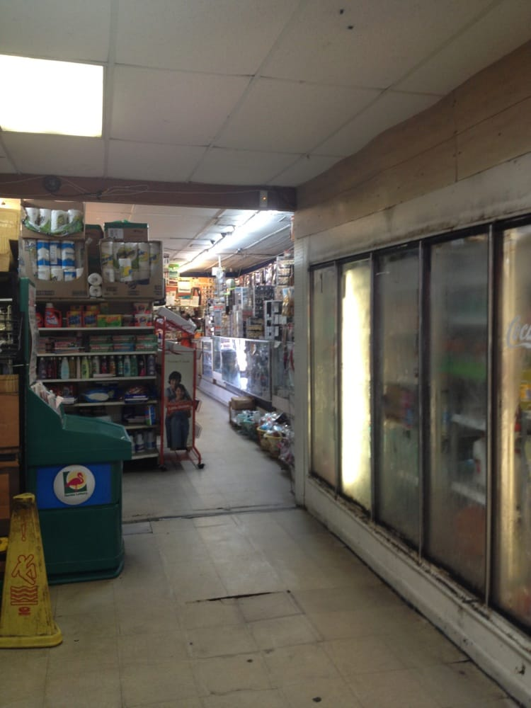 Pahokee Food Market: 871 Belle Glade Rd, Pahokee, FL