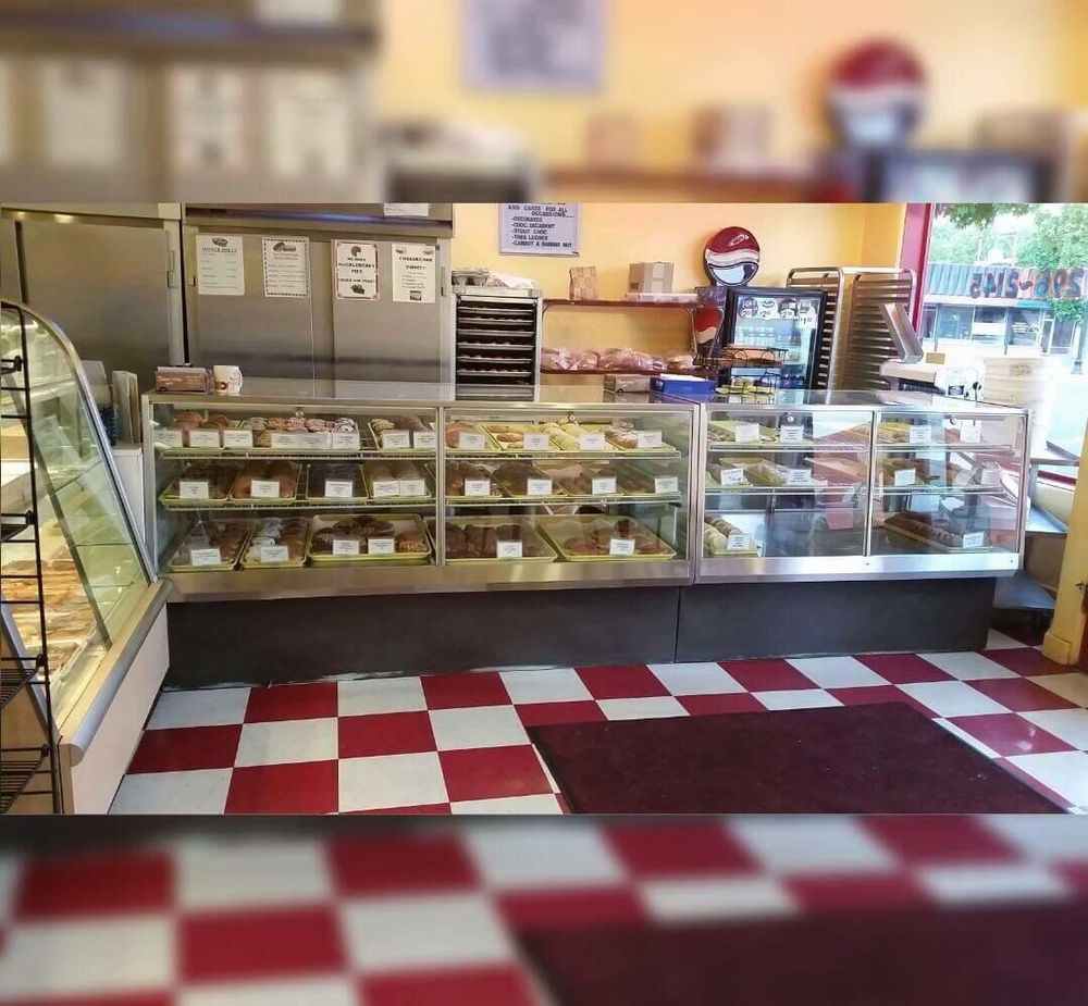 Mike's Bakitchen: 216 Court St, The Dalles, OR