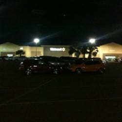 Walmart Supercenter - Tienda departamental - 2800 W Nolana