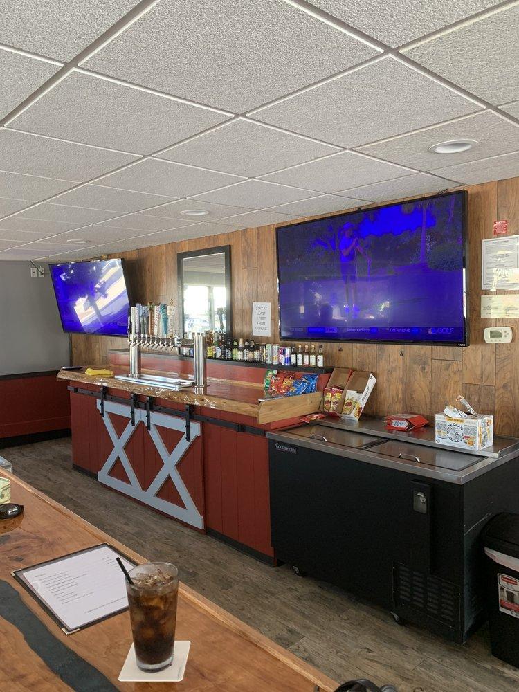 The Buoy Bar: 850 Quintana Rd, Morro Bay, CA