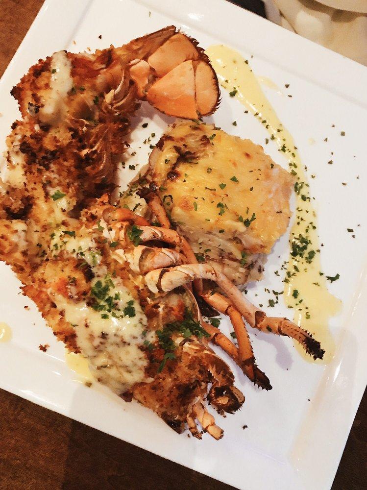 deep blu Seafood Grille: 14651 Chelonia Pkwy, Orlando, FL