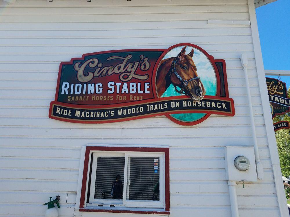 Cindy's Riding Stable: Mackinac Island, MI