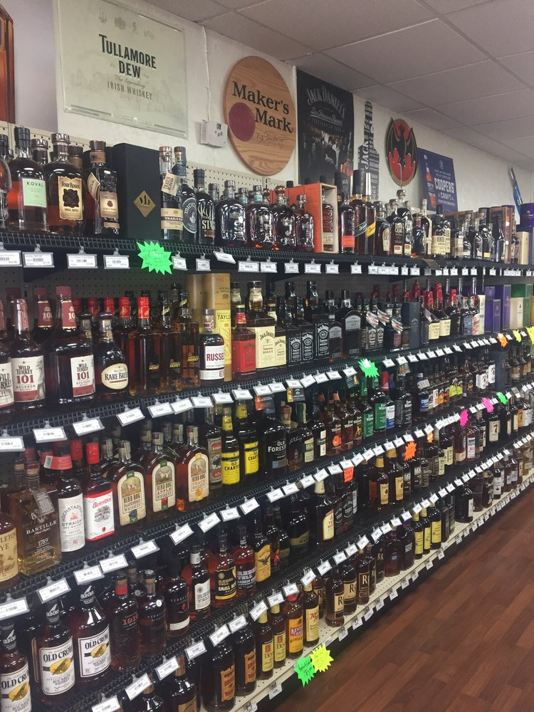 JR's Wine & Spirits: 2015 Hwy 72 E, Corinth, MS