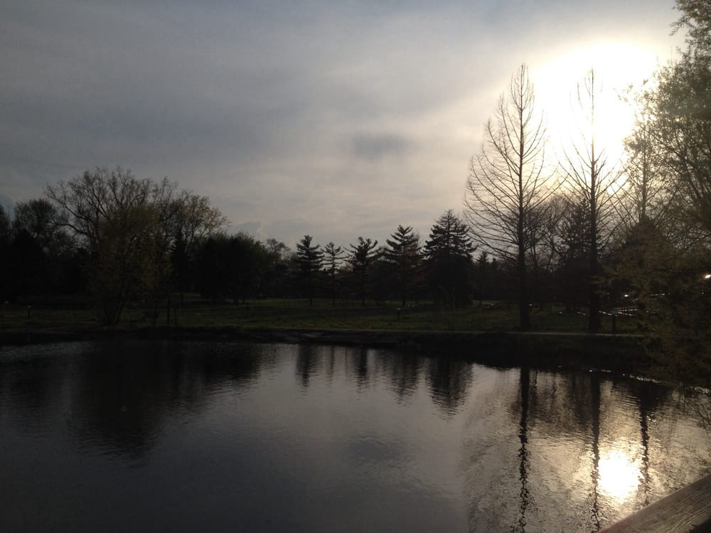 Wildwood Nature Center: 2701 W Sibley St, Park Ridge, IL