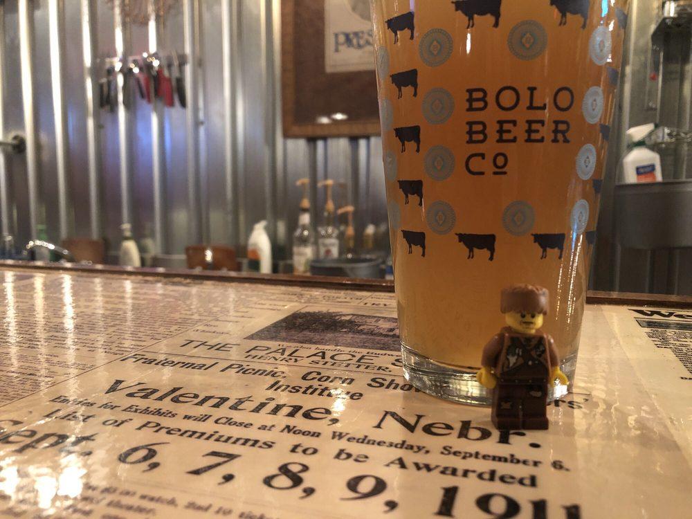 Bolo Beer Co.: 420 E 1st St, Valentine, NE