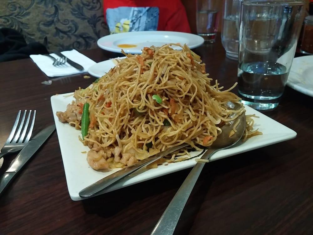 Indian Restaurant Style Hakka Noodles
