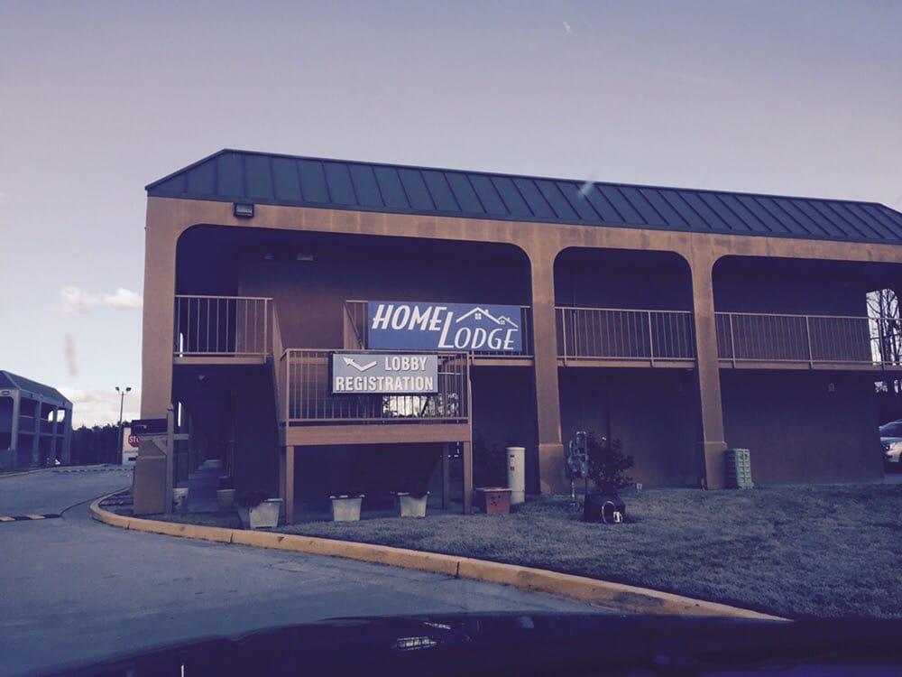 Days Inn: 1344 Hwy 29 S, Newnan, GA