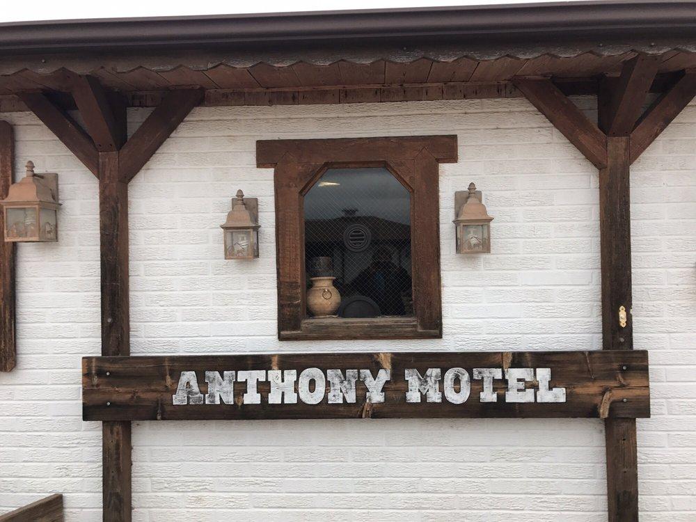 Anthony Motel & Cafe: 423 W Main St, Anthony, KS