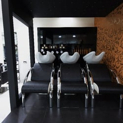 Photo Of Afrotherapy Salon London United Kingdom The Relaxing And Luxurious Backwash Area