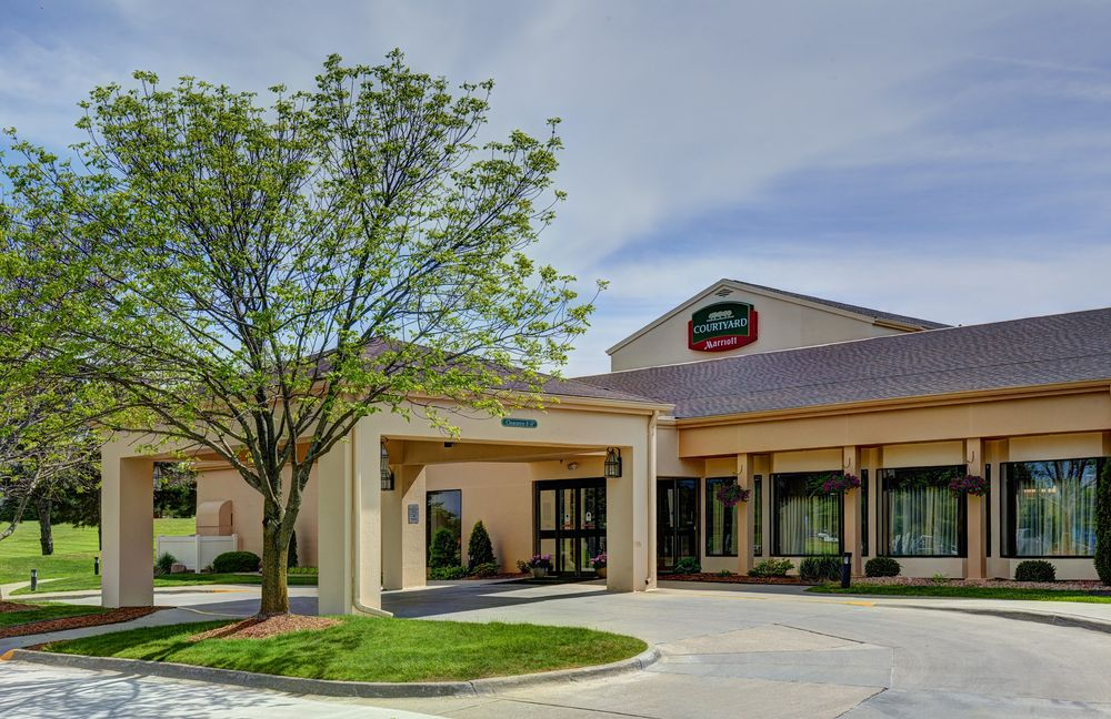 Courtyard by Marriott Des Moines West/Clive: 1520 NW 114th St, Clive, IA
