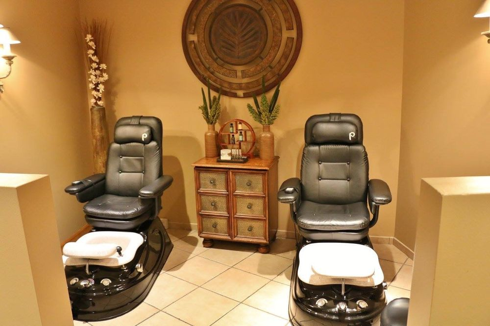 His & Her Salon & Day Spa: 3311 SW 6th Ave, Topeka, KS