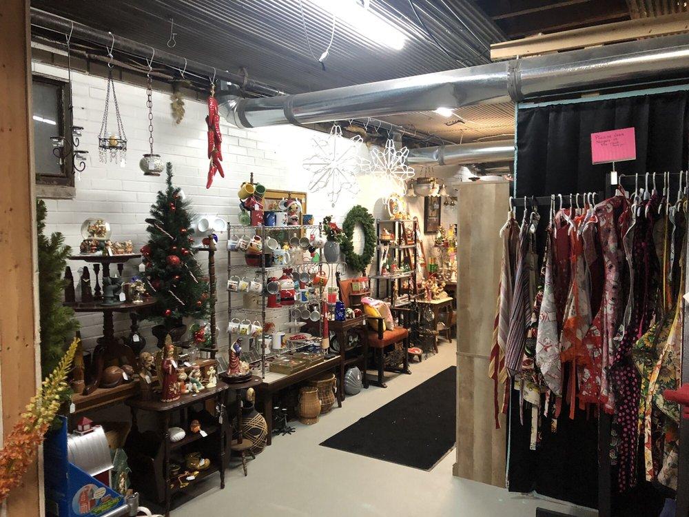 The Old Chapel Antique & Artisan Market: 172 Robinson St, North Tonawanda, NY