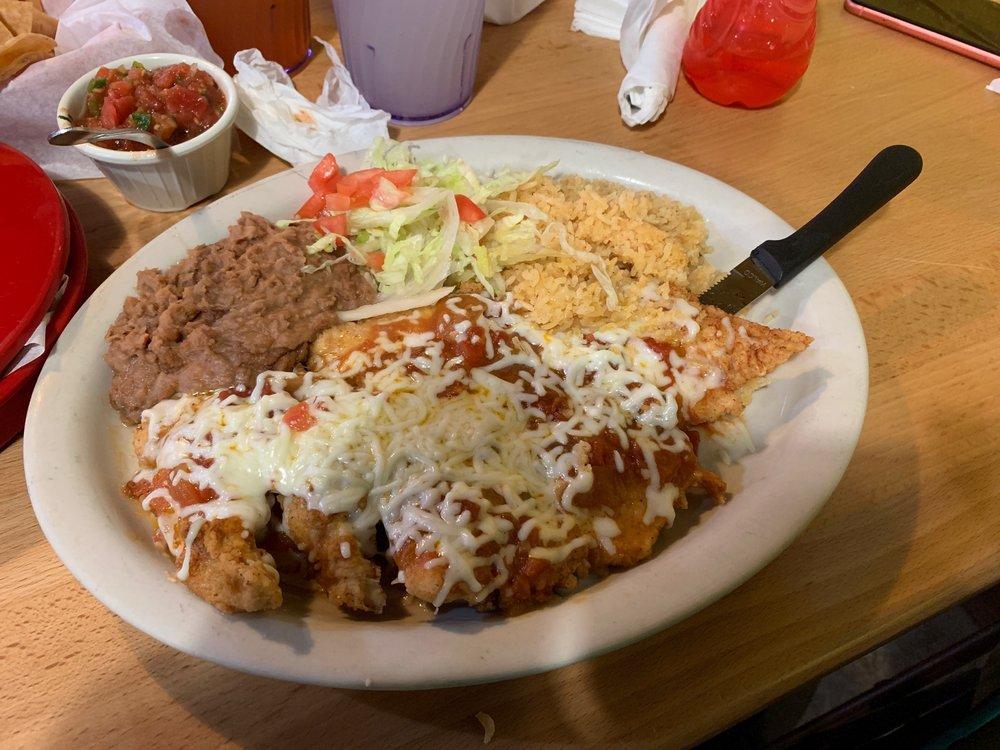 El Gallito Mexican Restaurant: 2480 W US Hwy 77, San Benito, TX